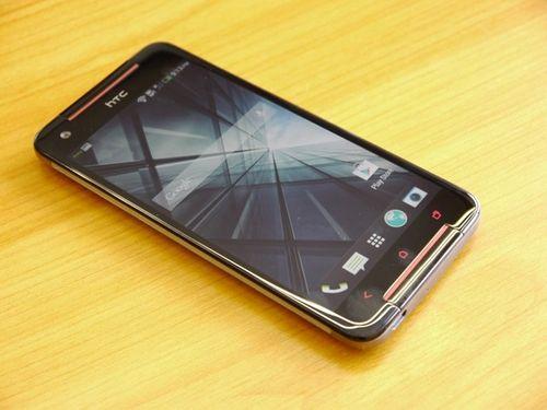 5 smartphone giá mềm pin siêu khỏe tại VN - Ảnh 1