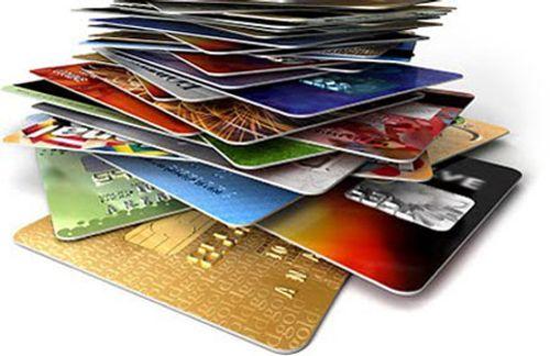 Rút tiền dư thẻ ATM: Trả 20.000 đồng đề từ bỏ quyền ... thượng đế - Ảnh 1