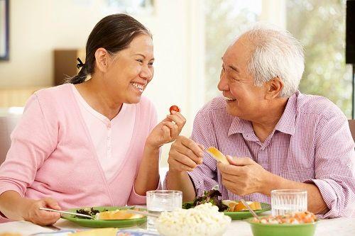 Công thức '3 tốt' cho sức khỏe người lớn tuổi - Ảnh 1