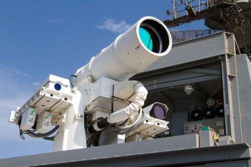 Hải quân Mỹ khoe video thử nghiệm vũ khí laser diệt UAV - Ảnh 1