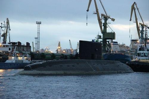 Chùm ảnh: Tàu ngầm Kilo HQ-184 Hải Phòng khởi hành về Việt Nam   - Ảnh 2