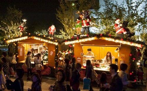 Cây thông khổng lồ, đèn kỷ lục Guinness rực rỡ Giáng sinh - Ảnh 7
