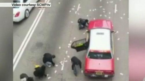 Hong Kong kêu gọi người dân trả lại hàng triệu USD tiền rơi - Ảnh 1