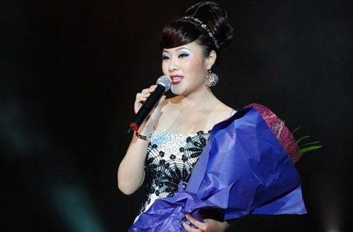 Người tình xinh đẹp của quan tham đường sắt Trung Quốc - Ảnh 3