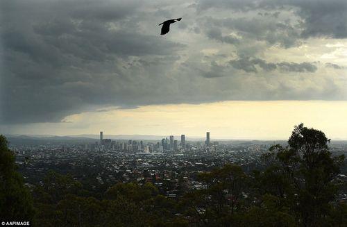 Hình ảnh đáng sợ về những tia sét trong cơn bão ở Sydney - Ảnh 8