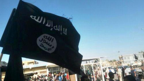Phiến quân Hồi giáo IS lại chặt đầu một binh sĩ Libăng - Ảnh 1