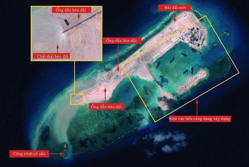 Trung Quốc ráo riết xây dựng đảo trái phép trên Biển Đông - Ảnh 3
