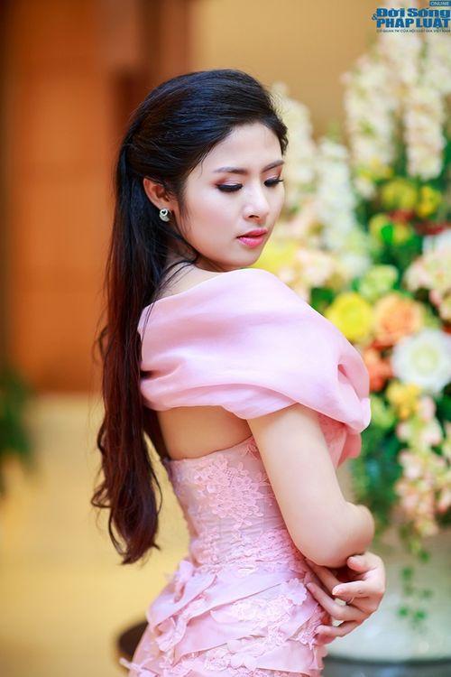 Ngọc Hân gợi cảm làm BGK người đẹp xứ Thanh - Ảnh 6