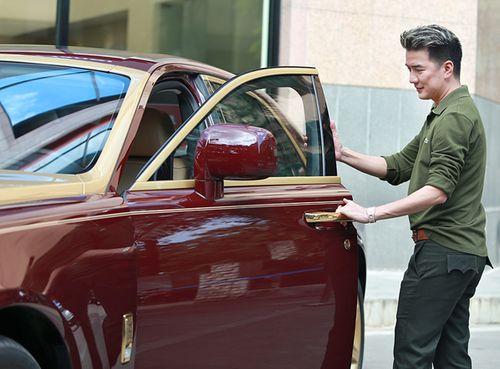 Đàm Vĩnh Hưng lần đầu khoe Rolls Royce mạ vàng 40 tỷ đồng - Ảnh 3