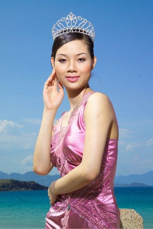Hoa hậu Việt làm gì sau khi đăng quang - Ảnh 7