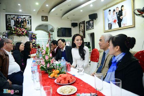 Hoa hậu Kỳ Duyên tổ chức tiệc mừng tại quê hương Nam Định - Ảnh 2