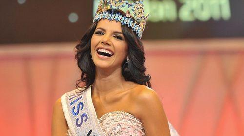 Hoa hậu thế giới 2011 đến Việt Nam làm giám khảo Hoa khôi áo dài  - Ảnh 2