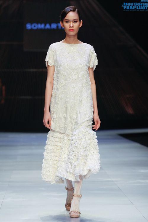 Cô gái bị chê vô lễ của Next Top Model làm vedette show NTK Nhật - Ảnh 14