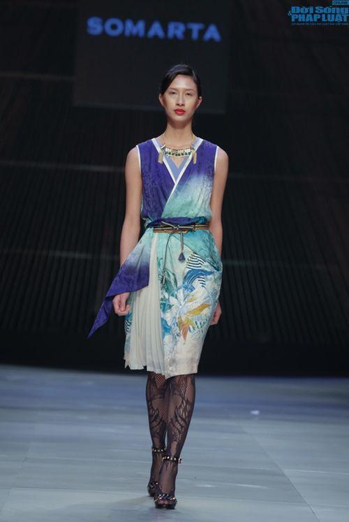 Cô gái bị chê vô lễ của Next Top Model làm vedette show NTK Nhật - Ảnh 8