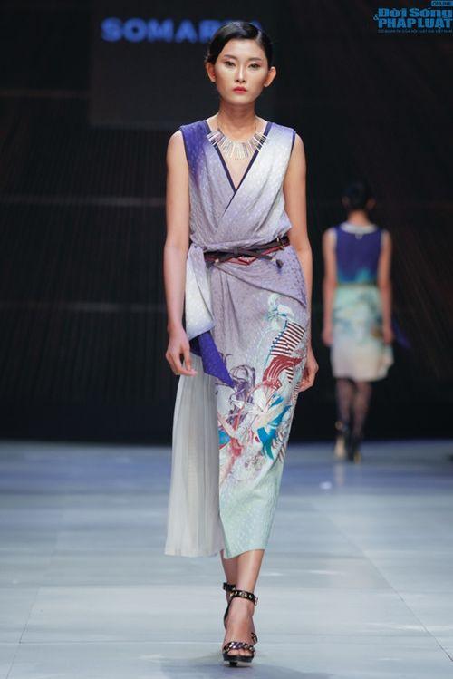 Cô gái bị chê vô lễ của Next Top Model làm vedette show NTK Nhật - Ảnh 9