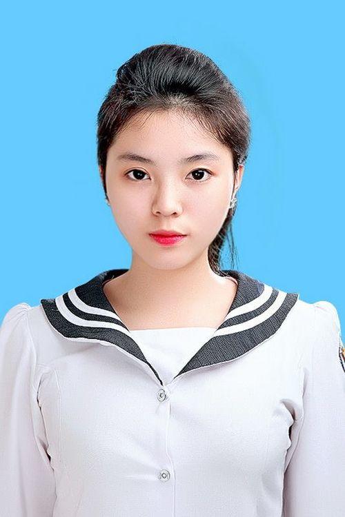 Hình ảnh nhí nhảnh của tân Hoa hậu Việt Nam 2014 thời học sinh - Ảnh 10