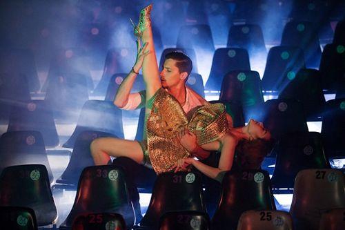 Minh Hằng hóa vũ công nóng bỏng trong MV mới - Ảnh 4