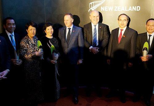 Thủ tướng New Zealand trao giải thưởng New Zealand Asean cho bà Mai Kiều Liên - Ảnh 2