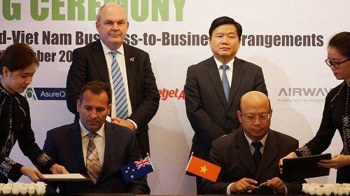 Thủ tướng New Zealand trao giải thưởng New Zealand Asean cho bà Mai Kiều Liên - Ảnh 3