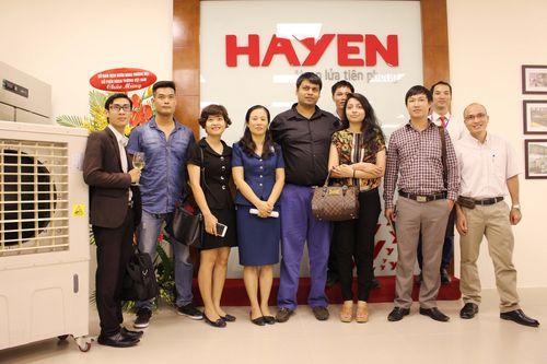 Hà Yến ra mắt khu bếp mẫu và biểu diễn đầu tiên tại Việt Nam - Ảnh 1