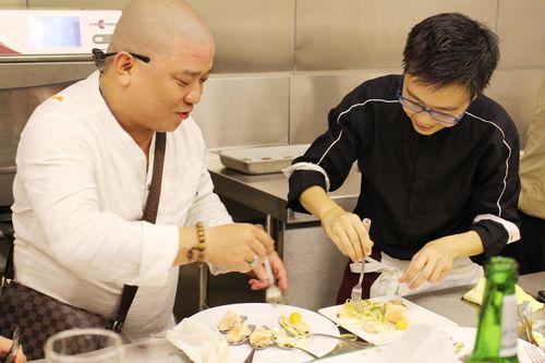 Hà Yến ra mắt khu bếp mẫu và biểu diễn đầu tiên tại Việt Nam - Ảnh 5
