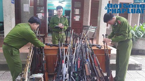 Quyết liệt việc thu hồi vũ khí, vật liệu nổ và công cụ hỗ trợ - Ảnh 2