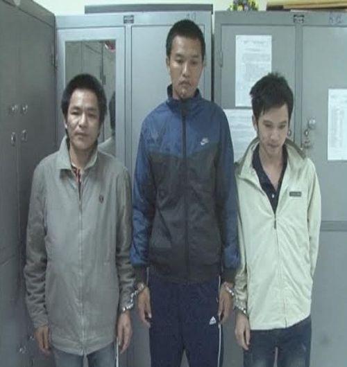 Video: Công an Hà Tĩnh bắt 3 đối tượng truy nã về quy án - Ảnh 1
