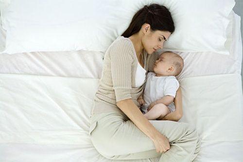 Ngày sinh con, chồng kì kèo không chịu thanh toán viện phí - Ảnh 1
