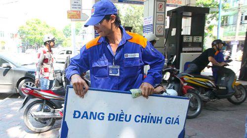Thuế nhập khẩu xăng dầu tăng mạnh lên 40% - Ảnh 1