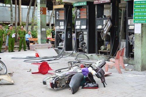 4 trụ xăng bất ngờ phát nổ, 3 phụ nữ bị thương - Ảnh 2