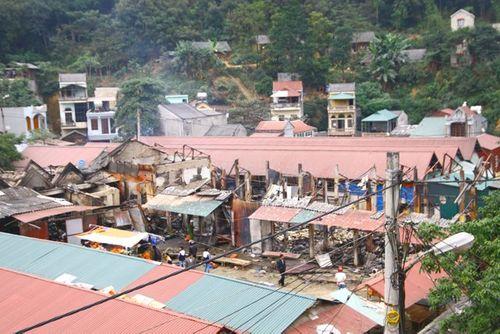Toàn cảnh hiện trường vụ cháy chợ ở huyện Xín Mần, Hà Giang - Ảnh 5