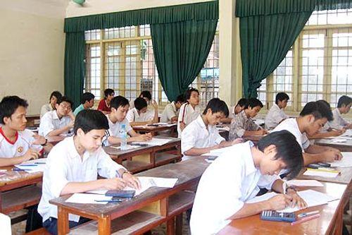 Nhiều ngành thừa nhân lực phải giảm chỉ tiêu tuyển sinh năm 2015 - Ảnh 1