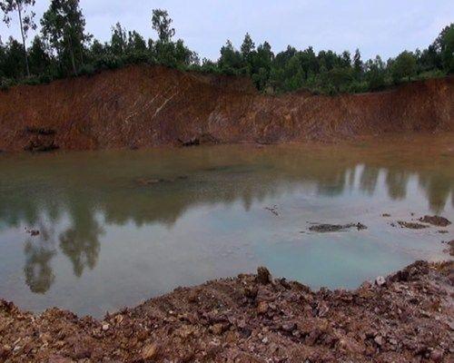 Học sinh lớp 6 chết đuối vì hố sâu công trình không có biển báo - Ảnh 1