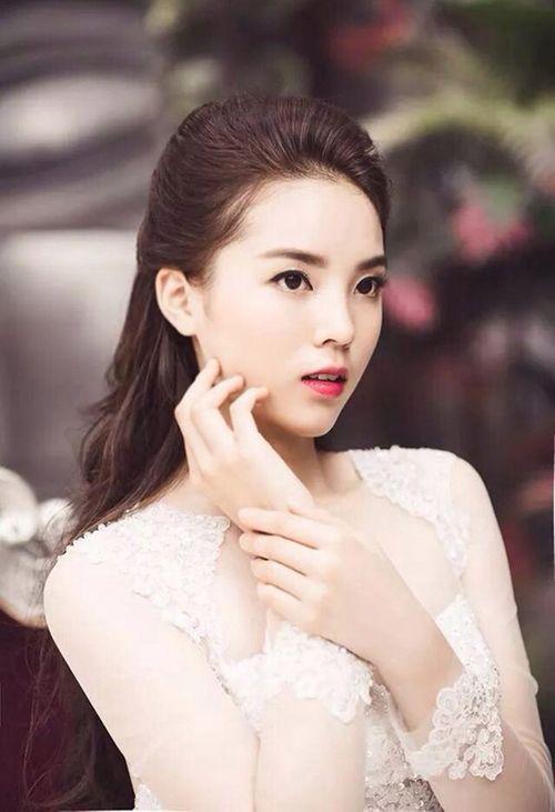 ĐH Ngoại thương - trường nổi tiếng có nhiều Hoa hậu, Á hậu  - Ảnh 2
