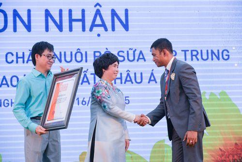 Tập đoàn sữa TH True Milk được vinh danh Kỷ lục châu Á - Ảnh 2