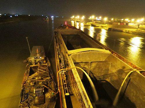 Hải Dương: Tàu thủy 3000 tấn đâm cầu An Thái biến dạng - Ảnh 2