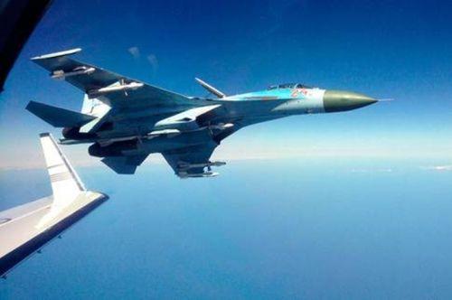 Nga bảo vệ quyền chặn máy bay trinh sát Mỹ trên biển Baltic - Ảnh 1