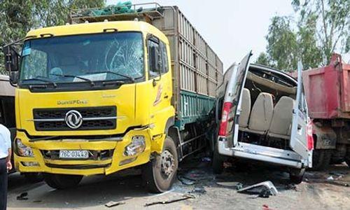 Đề nghị khởi tố tài xế xe khách vượt ẩu làm 4 người tử vong - Ảnh 1