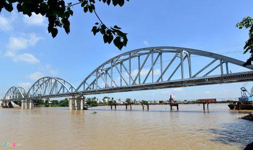 Cho phép tàu chạy thử trên cầu Ghềnh trước ngày khánh thành - Ảnh 1