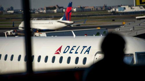 Máy bay Delta Airlines lại gặp sự cố khiến hàng loạt khách buồn nôn - Ảnh 1