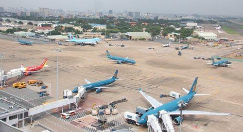Sửa xong đường băng bị sét đánh ở sân bay Tân Sơn Nhất sau 5 giờ - Ảnh 1