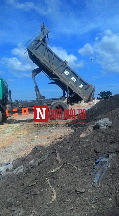Chủ tịch TX cho đổ chất thải Formosa cạnh khu dân cư: Tỉnh bất ngờ! - Ảnh 1