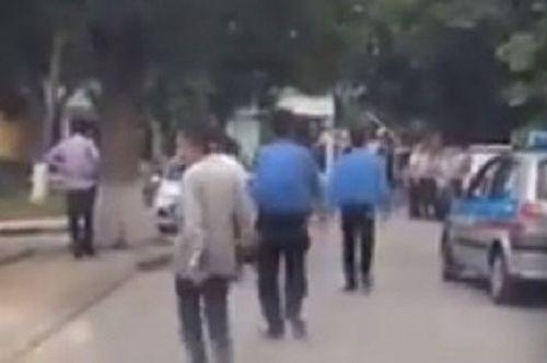 Chặn xích xe cứu thương ép dùng xe 'cò' ở BV Nhi: Lái xe lên tiếng! - Ảnh 2