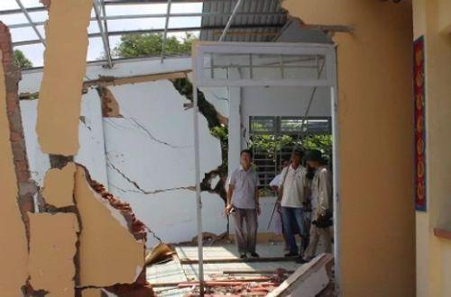 Đồng Nai: Sạt lở đất, hàng chục nhà dân vỡ toác, sập đổ - Ảnh 1