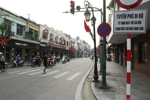 Hôm nay, cấm xe lưu thông quanh khu vực hồ Hoàn Kiếm - Ảnh 1