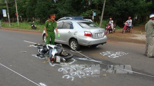 3 ngày nghỉ, 33 người chết vì tai nạn giao thông - Ảnh 1