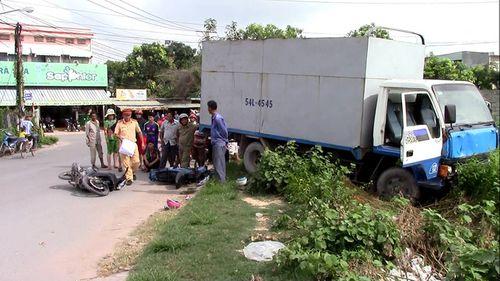 Tài xế xe tải gây tai nạn liên hoàn chưa có bằng lái - Ảnh 1