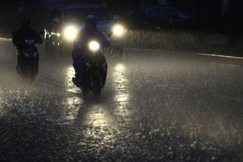 Dự báo thời tiết ngày mai 9/9: Mưa rào và dông rải rác trên cả nước - Ảnh 1