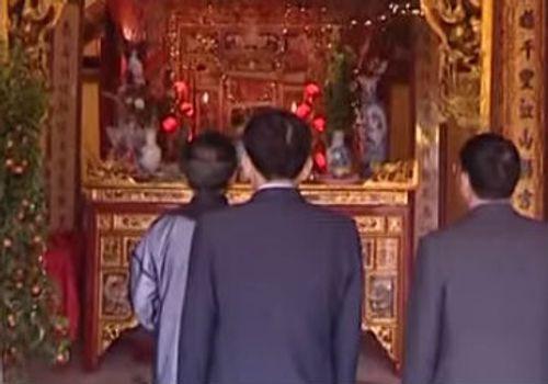 """""""Lễ hội chém lợn"""" ở Bắc Ninh: Bản sắc văn hóa sao phải bỏ? - Ảnh 2"""