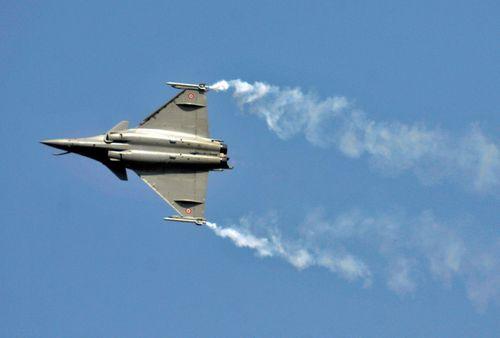Ấn Độ mua 36 máy bay của Pháp để đối phó Trung Quốc, Pakistan - Ảnh 1